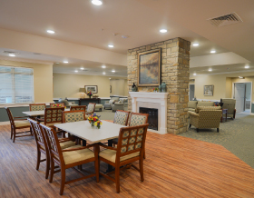 inviting-dining-area-in-ganzhorn-suites-avon